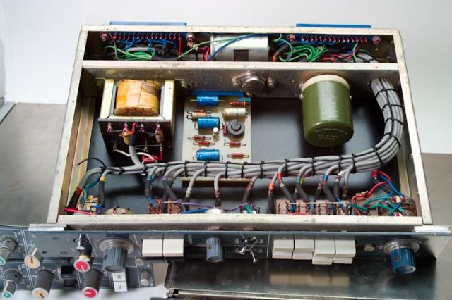 NEVE 1948  switching unit_d0192712_17415056.jpg