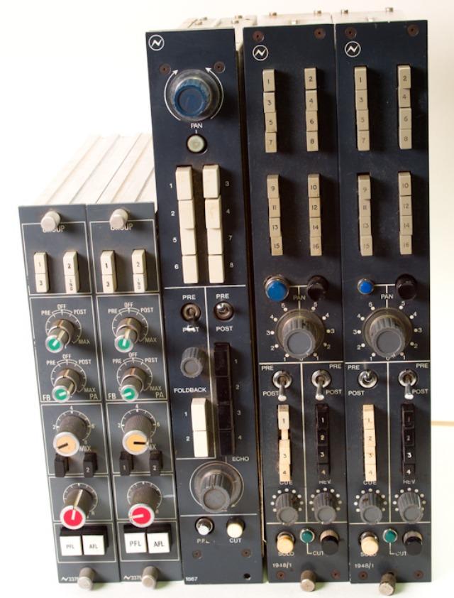 NEVE 1948  switching unit_d0192712_17421098.jpg