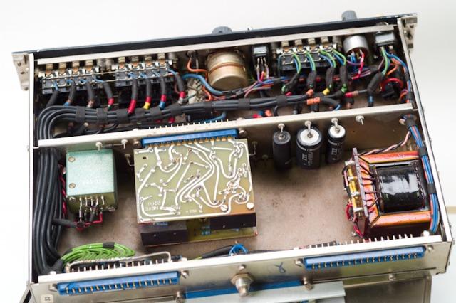 NEVE 1948  switching unit_d0192712_178408.jpg