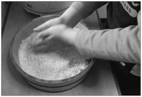 子どもと一緒に味噌作り_c0293787_12402816.jpg
