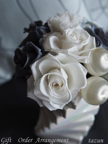 【White/Gray/Gift】_d0144095_2345058.jpg