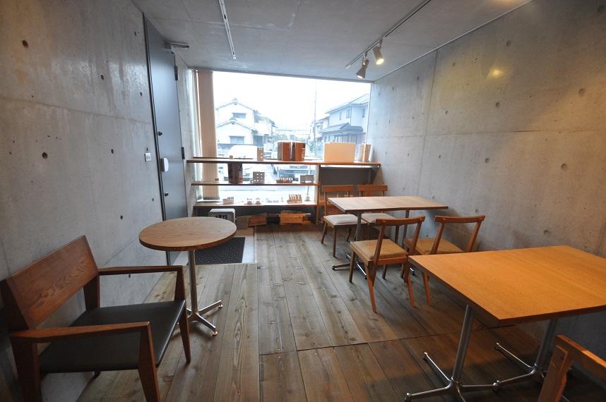 カフェの現場から 「木の温もりのある空間づくり」_e0028417_10304346.jpg