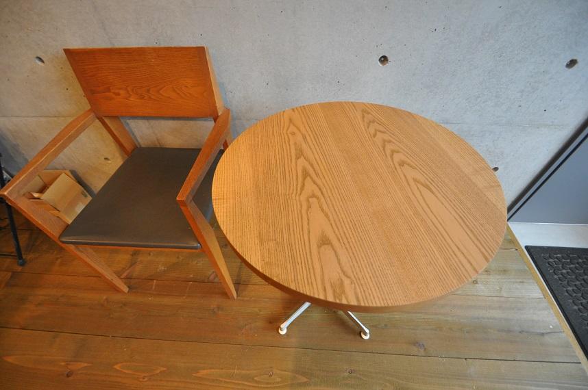 カフェの現場から 「木の温もりのある空間づくり」_e0028417_10312752.jpg
