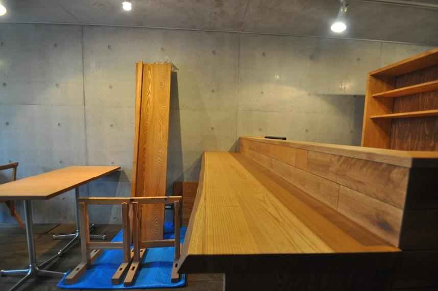 カフェの現場から 「木の温もりのある空間づくり」_e0028417_10315553.jpg
