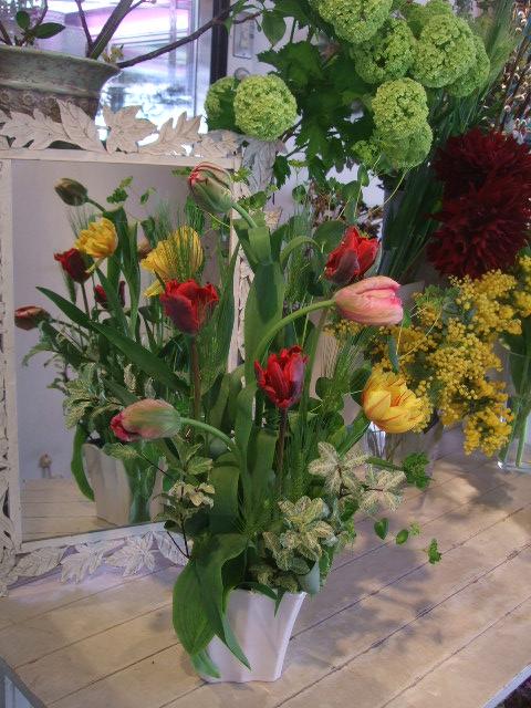 オークリーフ花の教室(赤地さんと宮原さんの作品)_f0049672_17202613.jpg