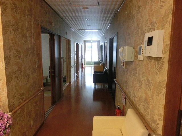 NPO法人ファインケアさんの小規模多機能型居宅介護施設「老美成(おみな)」_f0141310_864972.jpg
