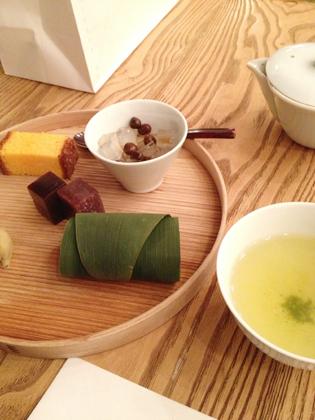 今日は日本茶。_f0038600_2322416.jpg