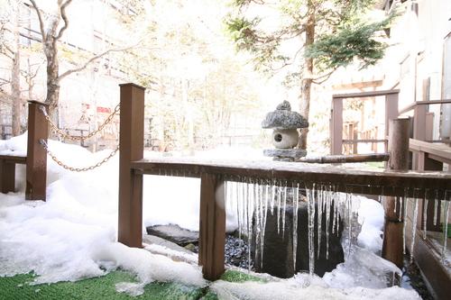 春ですけど、雪だるま_f0091207_23501675.jpg