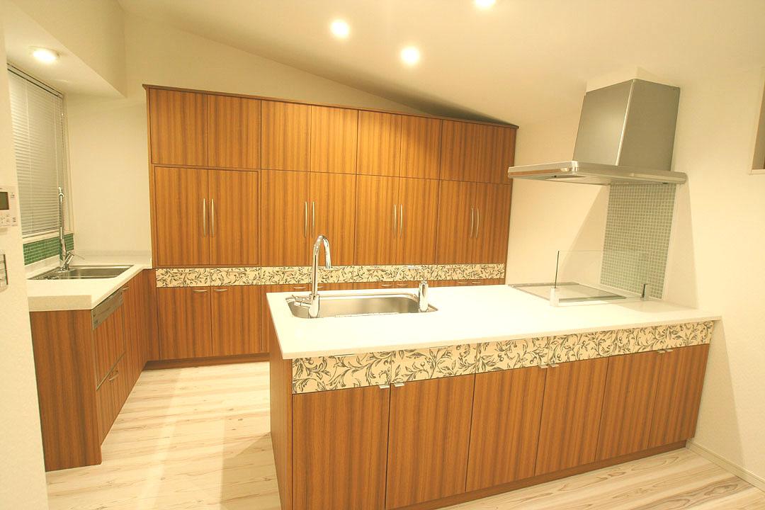 ウエストラインにフラワーデザインをほどこしました。DL en邸 刈谷市_f0222049_23281531.jpg
