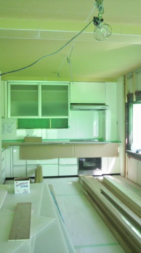 完全分離2世帯リフォーム―キッチン取付け_b0118287_107588.jpg