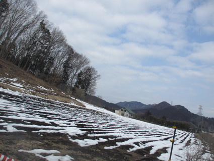 残りの雪@宮ヶ瀬_c0212604_189881.jpg