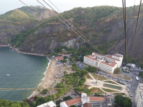 中南米最大のスラム街、ファヴェーラツアー★リオでの日々2(リオデジャネイロ,ブラジル)_e0182138_758561.jpg