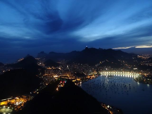 中南米最大のスラム街、ファヴェーラツアー★リオでの日々2(リオデジャネイロ,ブラジル)_e0182138_7594479.jpg