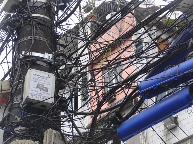 中南米最大のスラム街、ファヴェーラツアー★リオでの日々2(リオデジャネイロ,ブラジル)_e0182138_803133.jpg