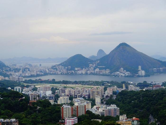 中南米最大のスラム街、ファヴェーラツアー★リオでの日々2(リオデジャネイロ,ブラジル)_e0182138_852824.jpg