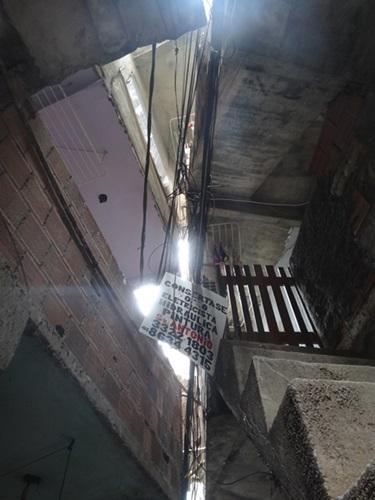 中南米最大のスラム街、ファヴェーラツアー★リオでの日々2(リオデジャネイロ,ブラジル)_e0182138_865411.jpg