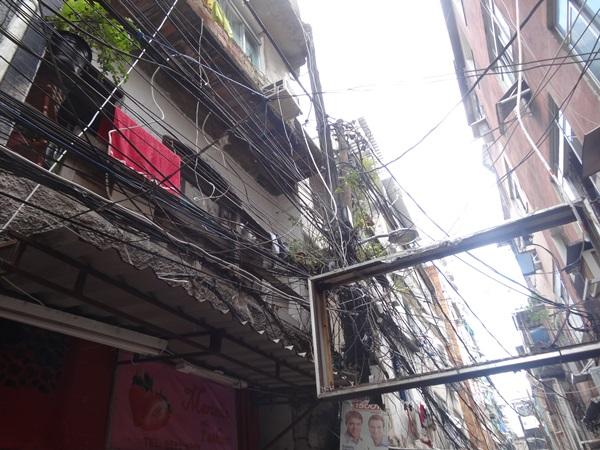 中南米最大のスラム街、ファヴェーラツアー★リオでの日々2(リオデジャネイロ,ブラジル)_e0182138_895257.jpg