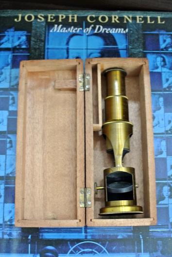 アンティーク携帯顕微鏡_f0280238_12541872.jpg