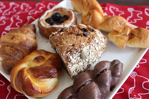 朝ごはんはアンデルセンのパン_a0180279_17564383.jpg