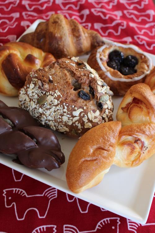 朝ごはんはアンデルセンのパン_a0180279_17583385.jpg