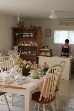 沖縄の紅茶をどうぞ! 美ら花さんオープニングパーティー_c0176406_21383486.jpg