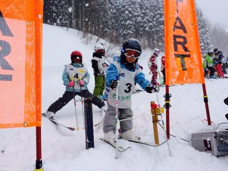 【 第7回 親子deスキー大会 】_f0101226_16560213.jpg