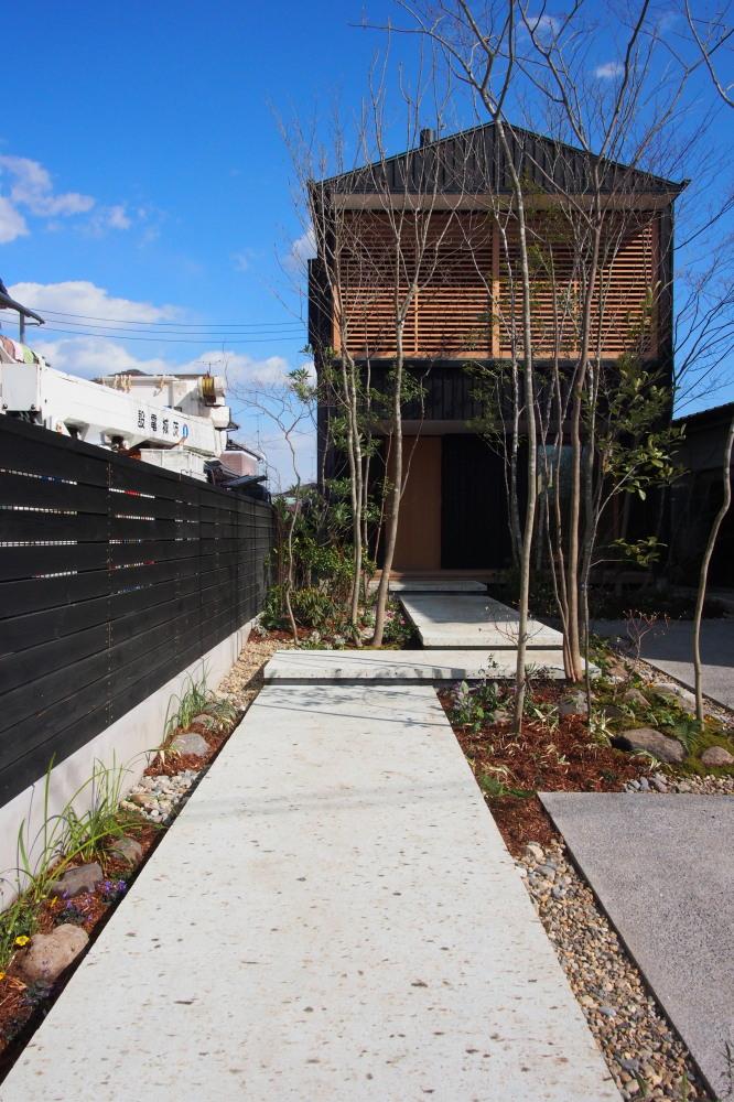庭ありきの家、家ありきの庭_d0122640_1637026.jpg