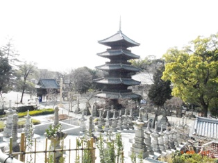 興正寺の小径_e0195766_1423796.jpg