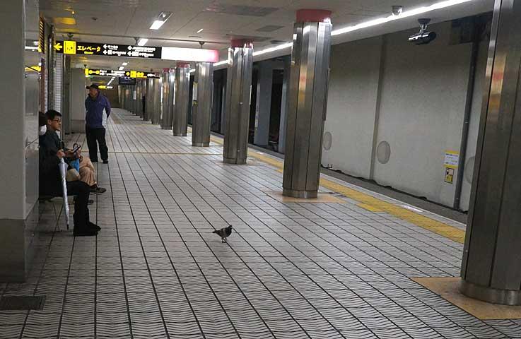 地下鉄二題_b0057679_92091.jpg