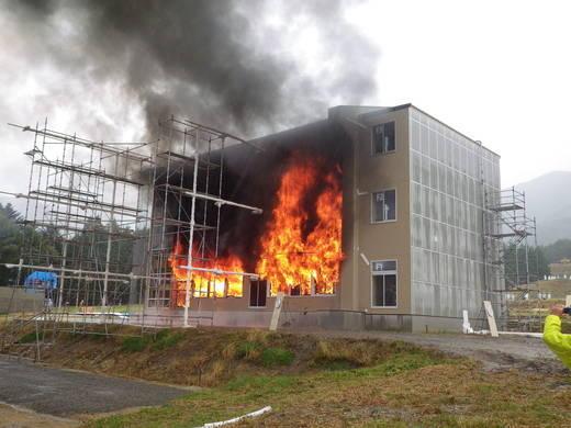 木造3階建学校_f0073301_18121351.jpg