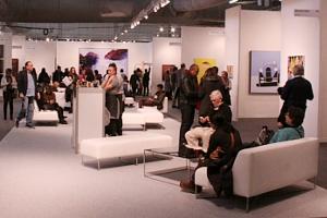 NY最大の美術展覧会「アーモリー・ショー 2014」の椅子_b0007805_12444442.jpg