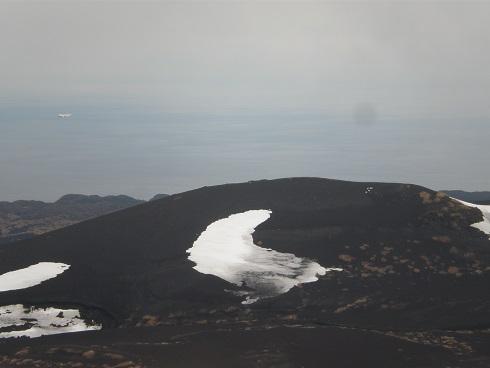 大島・三原山764mハワイのキラウエア、イタリアのストロンボリ火山と ...
