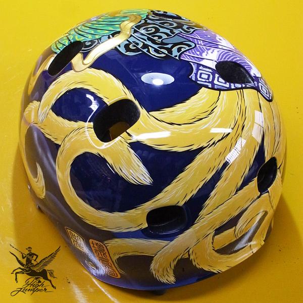 ヘルメットとチャリティーT_c0223486_034373.jpg