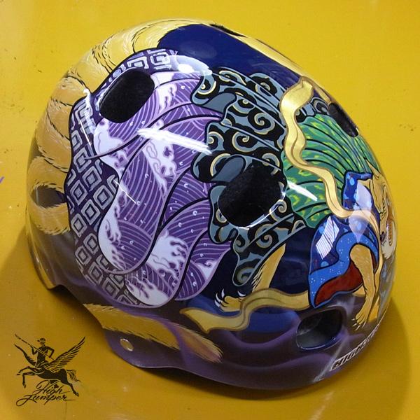 ヘルメットとチャリティーT_c0223486_034789.jpg