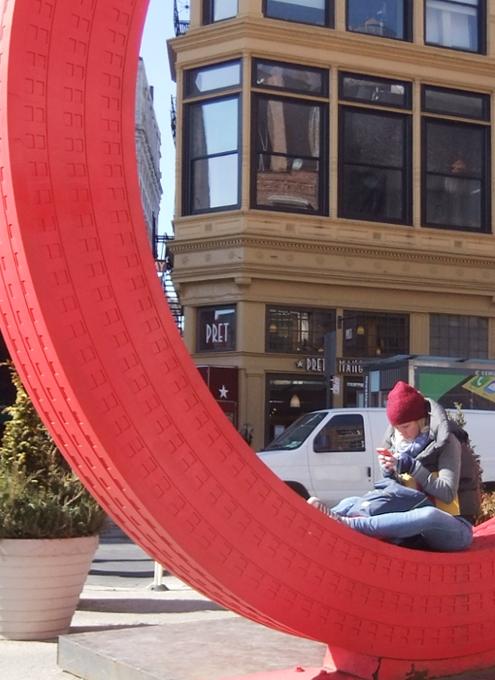 NYの街角で見かけたいろんなアートの楽しみ方_b0007805_2042505.jpg