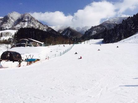 まだまだ春スキーを楽しみましょー!!_f0101226_00331982.jpg