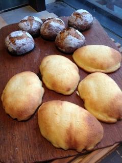 クリームパン & プルーンと紅茶のブール_f0009451_21545495.jpg