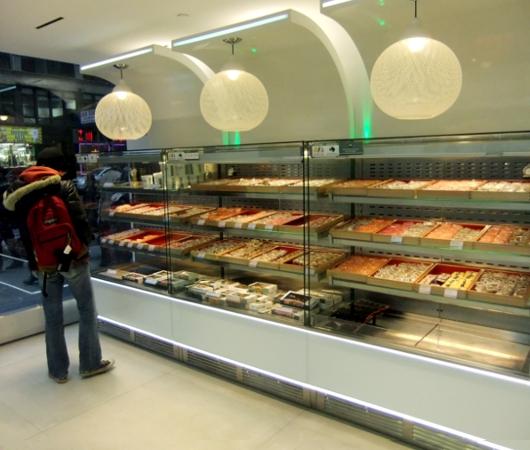 ついにニューヨークにロンドンの寿司チェーン店、ワサビ(Wasabi)がオープン_b0007805_9322927.jpg