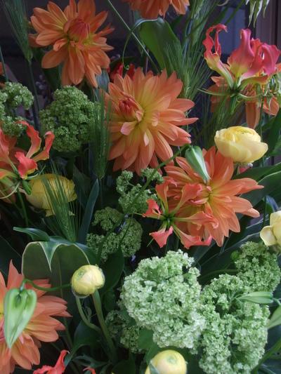 オークリーフ(春色のスタンド装花)_f0049672_17481928.jpg