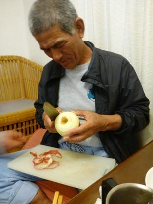 タメトウさんのリンゴむき_e0077899_717796.jpg