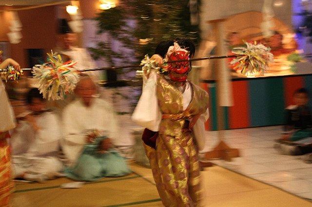 3/7 大塚神社 たまゆら温泉 『かぐらまつり』 写真_c0045448_1621958.jpg
