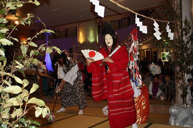 3/7 大塚神社 たまゆら温泉 『かぐらまつり』 写真_c0045448_16222260.jpg