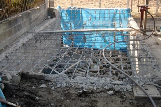 駐車場の造り直し ~ 解体。_d0165368_8155986.jpg