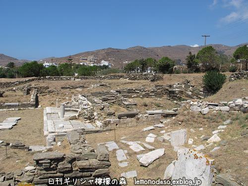 ティノス島のキオニアの泉場遺跡_c0010496_20362981.jpg