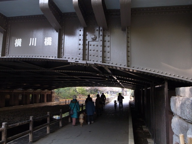 本所吾妻橋でムックに会う_d0057843_17461959.jpg