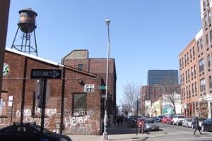 ブルックリンのウィリアムズバーグで見かけた街角アート_b0007805_9363510.jpg