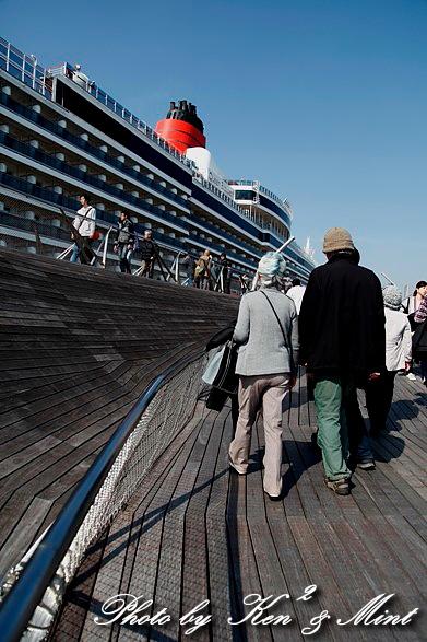 英 豪華客船 「クイーン・エリザベス3世」 横浜初寄港♪_e0218518_226024.jpg