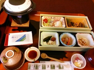 藤三旅館_e0102439_1014115.jpg