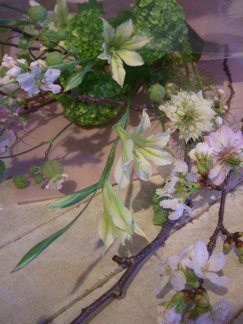 オークリーフ花の教室(根本さんの作品)_f0049672_18111643.jpg