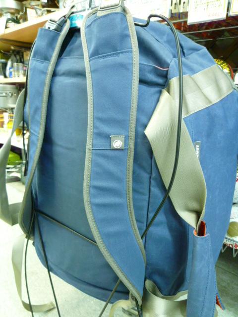 マムートから、新作バッグ!_d0198793_1823338.jpg